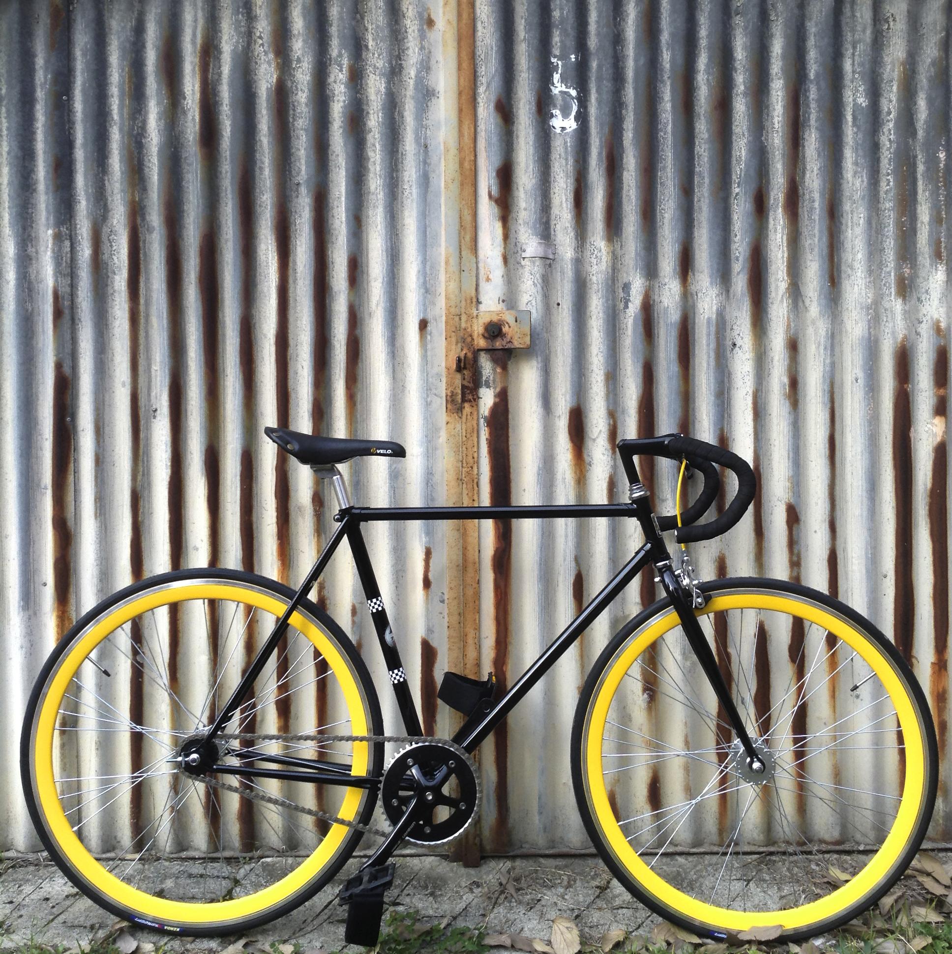 scatofisso-ruote-gialle1-
