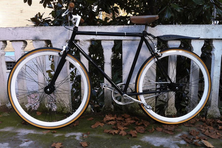 Fixed Bike Nera Bianca e Pelle
