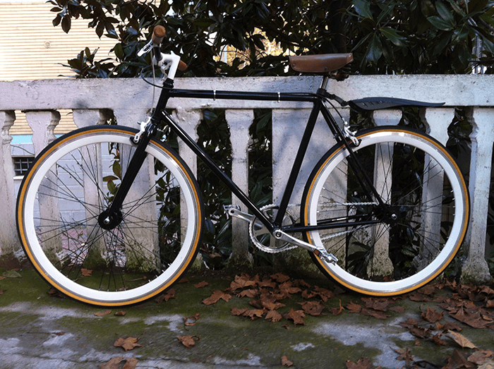 Fixed Bike Nera Bianca E Pelle Ciclavia