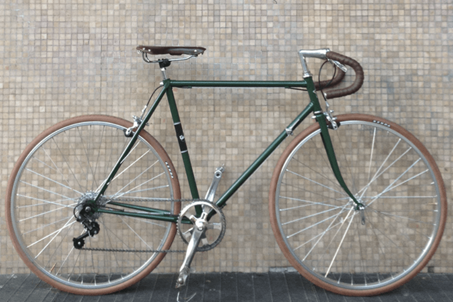 Bici artigianale rebuilt verde inglese, con cambio