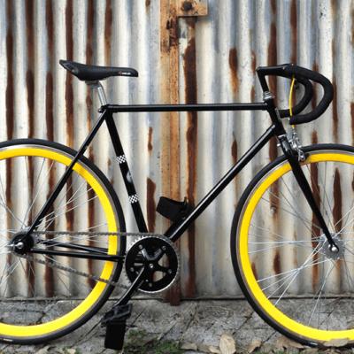 Ciclavia Bologna Bici Scattofisso nera cerchi gialli