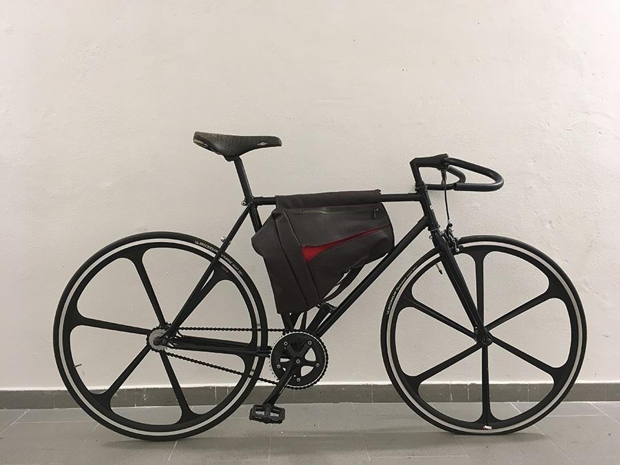 Ciclavia | borse per bici in mostra alle belle arti a Bologna